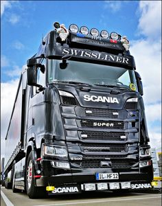 Awesome looking Scania truck. Used Trucks, Trucks And Girls, Big Rig Trucks, Mini Trucks, Customised Trucks, Custom Trucks, Futuristic Armour, Road Train, Volvo Trucks
