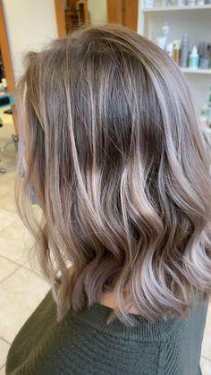 Ash Blonde Hair Silver, Ash Blonde Short Hair, Ashy Hair, Blonde Dye, Cool Blonde Hair, Blonde Hair With Highlights, Mom Hairstyles, Easy Hairstyles For Long Hair, Girl Haircuts