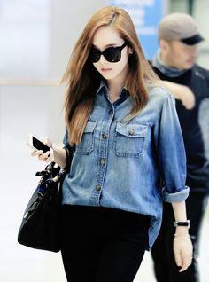 Jessica, SNSD Airport Fashion Snsd Airport Fashion, Snsd Fashion, Korean Fashion, Girl Fashion, Fashion Dresses, Fasion, Fashion Styles, Jessica & Krystal, Jessica Jung