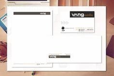 Aplicación de logotipo en papelería y tarjeta coporativa