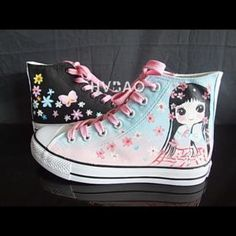 Buy 'HVBAO � 'Pretty in Floral' High-Top Canvas Sneakers' with Free International Shipping at YesStyle.com. Browse and shop for thousands of Asian fashion items from China and more!