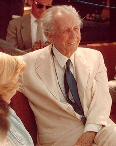 Frank Lloyd Wright at 86 in 1953