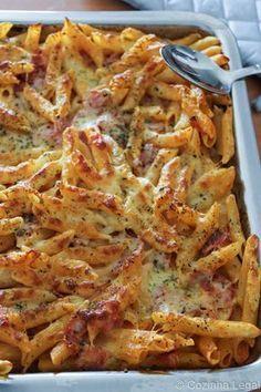 Macarrão de forno com presunto e queijo