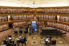 STOCKHOLMS STADSBIBLIOTEKET: a biblioteca municipal de Estocolmo que reúne arquitetura e simplicidade. É um dos edifícios mais influentes da cidade, pois foi projetada no estilo clássico nórdico por um dos arquitetos mais famosos do país, o Gunnar Asplund.