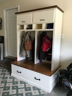 Mudroom Locker Plans - Free DIY Plans | rogueengineer.com #DIYLaundryRoom #MudroomLocker