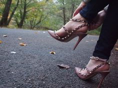 The Ultimate Shoe Guide: The Valentino Rockstud Pumps