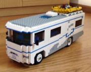 Lego Winnebago camper - so neat! Lego Camper Van, Lego Bus, Lego Truck, Lego Shuttle, Used Travel Trailers, Lego Pictures, Used Rv, Lego For Kids, Lego Design