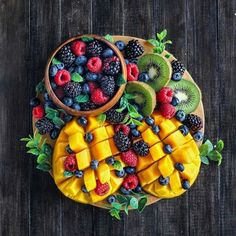 alivehealthy: Which one is your favourite fruit? - January 08 2019 at - Amazing Ideas - and Inspiration - Yummy Recipes - Paradise - - Vegan Vegetarian And Delicious Nutritious Meals - Weighloss Motivation - Healthy Lifestyle Choices Salad Presentation, Healthy Snacks, Healthy Recipes, Eating Healthy, Nutritious Meals, Yummy Snacks, Yummy Recipes, Calorie Calculator, Juice Fast