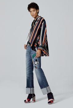 http://www.vogue.com/fashion-shows/pre-fall-2017/iceberg/slideshow/collection