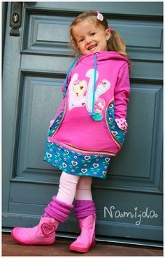 Sewing Patterns Girls, Sewing For Kids, Baby Sewing, Toddler Fashion, Kids Fashion, Girls Winter Fashion, Kids Poncho, Toddler Dress, Kind Mode