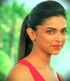 Deepika Padukone – Care – Skin care , beauty ideas and skin care tips Deepika Padukone Hair, Prettiest Actresses, World Most Beautiful Woman, Influential People, Indian Film Actress, Facial Care, Queen Of Hearts, Dimples, Bollywood Actress