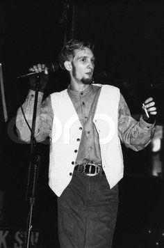 I'm obsessed with Layne Staley. Therefore I must blow up wattpad with random Layne Staley shit lol. If you are also obsessed with Layne Staley, JOIN MEeeee meeeheeerrrrr (.I need help lol) Grunge, Mad Season, Layne Staley, Alice In Chains, My Soulmate, Most Beautiful Man, Rare Photos, Music Stuff, Black Belt