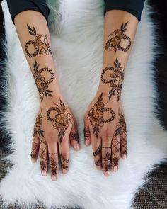 Henna Flower Designs, Pretty Henna Designs, Modern Henna Designs, Henna Designs Feet, Mehndi Design Photos, Dulhan Mehndi Designs, Arabic Mehndi Designs, Latest Mehndi Designs, Mehndi Designs For Hands