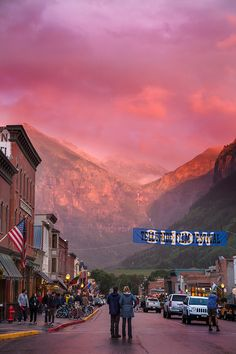 Check out the Telluride Film Festival in September. Looks like an awesome event. Have you been? #pinuplive