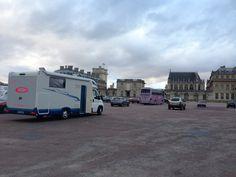 Existe un parking gratuito en Chateau de Vinncent con vistas impresionantes y seguro.