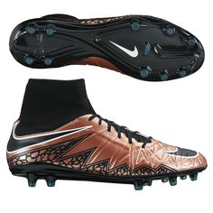 Get the best bang for your buck. The Nike Hypervenom Phatal DF soccer cleats  feature