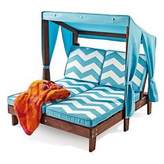 KidKraft Double Chaise Lounge $99.96 at Sam's Club....I bet you could easily recreate this with pallets!!!