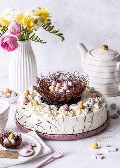 DIY: Schokoladen Osternest selber machen Köstliche Desserts, Delicious Desserts, Cupcakes, Cake Pops, Biscuits, About Easter, Birthday Cake, Sweets, Cookies