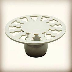 Alzatina in ceramica designer George Sowden produttore Alessio Sarri anni 80 colore bianco  #ceramica #sowden #interiordesign #design #vintage #pottery #furniture #spazio900 #spazio900design #kitchen #art #modernism #80's  http://ift.tt/1MMRHzp