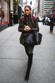 One of the biggest trends in 2012 for fall and winter were leather sleeves. And Olivia sure was a fan of this thougher look! Wheter it was ...