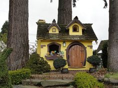 Hites You need a hiding place like this. The Commons Getty Collection Galleries World Map App . Outside Playhouse, Build A Playhouse, Playhouse Outdoor, Playhouse Ideas, Outdoor Fun, Outdoor Spaces, Outdoor Living, Dog Houses, Play Houses