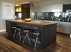 Niemann kitchen with Neolith island tops, Legrabox soft close drawers and postbox style handles