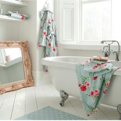 Cath Kidston Antique Rose Bouquet Hand Towel - Duck Egg Laundry In Bathroom, Bathroom Towels, Soft Towels, Hand Towels, Home Again, Antique Roses, Cath Kidston, Beautiful Bathrooms, Clawfoot Bathtub