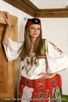 Albanian folk costume