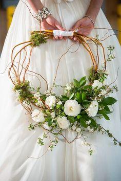 buquê de noiva com galhos secos diferente
