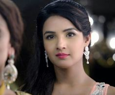 Most Beautiful Indian Actress, Beautiful Actresses, Beautiful Girl Photo, Beautiful Women, India Beauty, Asian Beauty, Tashan E Ishq, Stylish Girl Images, Girls Dpz