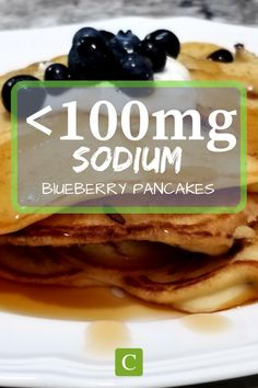 Low sodium blueberry pancakes under of sodium. Most of the time pancakes have baking soda or baking powder in them, making the sodium high. These pancakes omit the baking powder/soda making them delicious low sodium pancakes. Low Sodium Diet, Low Sodium Recipes, Low Sodium Pizza, Sodium Foods, Low Salt Breakfasts, Low Salt Meals, Low Sodium Pancake Recipe, Kidney Recipes, Health Recipes