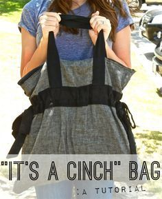 Its a Cinch Bag. Beach bag, diaper bag, school bag, overnight bag, no matter what you use it for this bag is a cinch! This Its a Cinch Bag is a purse sewing pattern that you dont want to miss. Its a perfect sized bag for all your needs. Sewing Hacks, Sewing Tutorials, Sewing Crafts, Sewing Projects, Sewing Patterns, Bag Tutorials, Bag Patterns, Craft Projects, Costura Diy