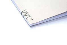 Réaliser une simple couture à l'extrémité d'un document pour apporter un touche intéressante! Design Portfolio Layout, Portfolio Book, Tattoo Portfolio, Logos Color, Mural Floral, Logos Photography, Photography Portfolio, Japanese Binding, Logos Retro