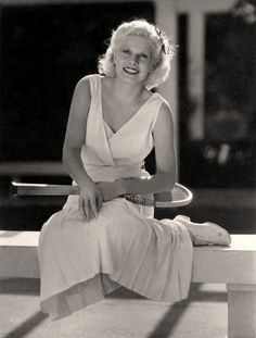 Jean Harlow looking beautiful in a white tennis outfit. #vintage #1930s par Vintage-Stars sur Flickr