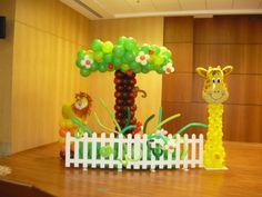jungle safari balloon decor Baby Shower Balloons, Jungle Safari, Balloon Decorations, Columns, Bubbles, Cake Pops, Cake Pop, Cakepops, Vw Beetles