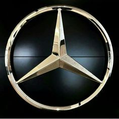 Mercedes-Benz - The True Star - 🇨🇦😁 Mercedes World, Mercedes Benz Trucks, Mercedes Benz Logo, Mercedes Benz Cars, Mercedes Wallpaper, Mercedez Benz, Maserati Quattroporte, Fast Cars, Audi R8