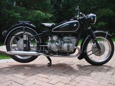 Beautiful 250 Source by tomjrtsmith Bmw Vintage, Vintage Cafe Racer, Vintage Bikes, Harley Davidson V Rod, Bmw R51, M Bmw, Bmw Motorbikes, Aftermarket Motorcycle Parts, Bmw Boxer