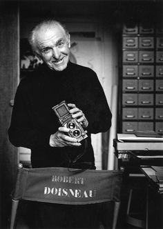 Robert Doisneau (April was a French photographer, known as a pioneer of photojournalism. He mostly took pictures of people in. Robert Doisneau, Henri Cartier Bresson, Robert Frank, History Of Photography, Street Photography, People Photography, Exposure Photography, Urban Photography, Color Photography