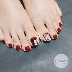 Cute Pedicures, Pedicure Nails, Mani Pedi, Manicure, Cute Toe Nails, Cute Toes, Pop Art Nails, Red Nails, Nail Art Designs Videos