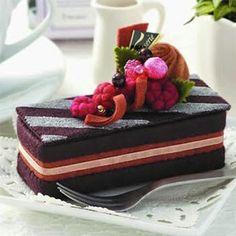 Selling Chocolate Square Cake From Sun Felt - Price: € - Casa Cenina Felt Crafts Diy, Food Crafts, Felt Diy, Handmade Felt, Felt Cake, Felt Cupcakes, Cupcake Cakes, Dessert Book, Opera Cake