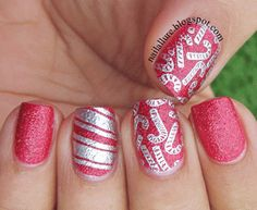The candy canes are stamped from the MoYou London image plate 03 from the Festive Collection, with Essie No place Like Chrome.