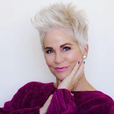 Really modern short hairstyles for older women - Neue Frisuren Haircut For Older Women, Pixie Hairstyles, Short Hairstyles For Women, Virtual Hairstyles, Ladies Hairstyles, Asian Hairstyles, Hairstyles 2018, Pixie Haircuts, Layered Haircuts