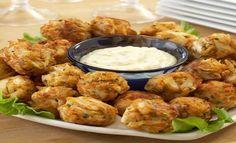 Les accras de poulet : une recette parfaite pour accompagner une salade, du riz ou encore un buffet salé.