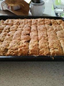 Food Lovers Recipes | WEETBIX BESKUITWEETBIX BESKUIT - Food Lovers Recipes Tray Bake Recipes, Fun Baking Recipes, Easy Bread Recipes, Donut Recipes, Dessert Recipes, Cooking Recipes, Milktart Recipe, Rusk Recipe, All Bran