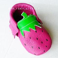 STRAWBERRY Moccs  #mmfeet #moccasins #strawberry #babymocs #babymoccs #diy #children #baby #toddler