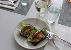 Fried whitefish on rye bread