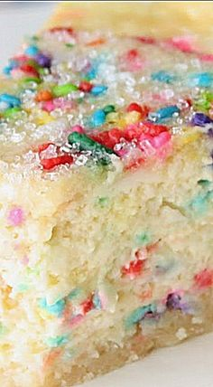 Sugar Cookie Cheesecake - July is National Cheesecake Day and what better way to celebrate than with a sugar cookie cheesecake! Glistening with sugar crystals and a sugar cookie crust, this dessert is a showstopper! Sugar Cookie Cheesecake, Cheesecake Recipes, Dessert Recipes, Cookie Crust, Cake Batter Cheesecake, Birthday Cake Cheesecake, Just Desserts, Delicious Desserts, Yummy Treats