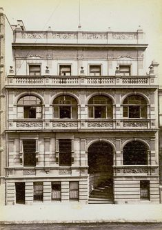 German Club,Phillip Street,Sydney in from Dictionary of Sydney. Service Club, Historical Architecture, Sydney Australia, Beautiful Buildings, Back In The Day, Old Houses, Old World, Old Photos, Edwardian Era