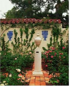 spanish style homes with pool in the middle - Mediterranean Home Decor Products - internationally inspired Spanish Style Homes, Spanish Revival, Spanish House, Spanish Colonial, Landscape Design, Garden Design, Georgian Mansion, Stucco Walls, Mediterranean Home Decor