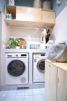 &SUUS | Eigen Huis & Tuin | Bijkeuken Veghel | 2 Pantry Laundry Room, Laundry Room Design, Pastel Interior, Interior Ideas, Interior Design, Laundy Room, Extra Rooms, Scandinavian Home, Kitchenette